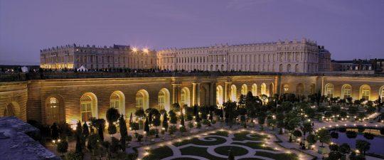 Attractions locales et nouveaut s au trianon palace versailles for Autour de versailles