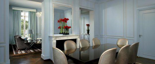Versailles suite dining room interior